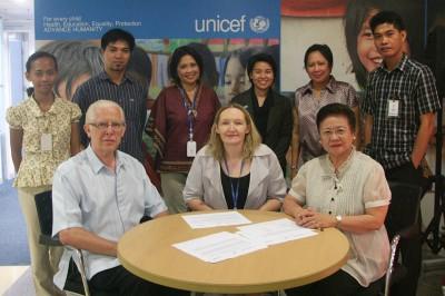 SIGNING UNICEF
